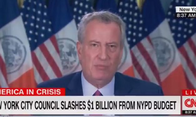 De Blasio Trashes 1st Amend, Says Protests and Church Are 'Apples and Oranges'
