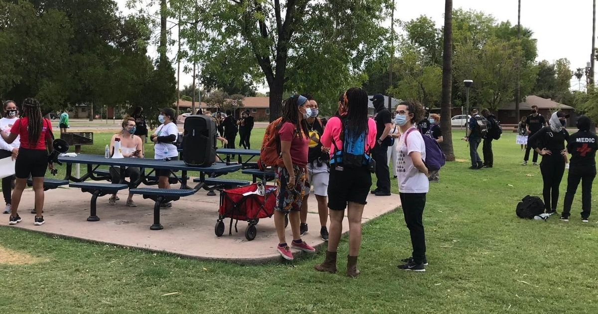School Threatening To Suspend Students for Not Social Distancing Allows Exception for SJW Protesters