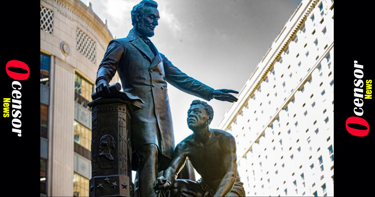 Chicago Considers Removal of Lincoln, Washington Statues as Part of Confronting 'Hard Truths' of  the City's 'Racial History'